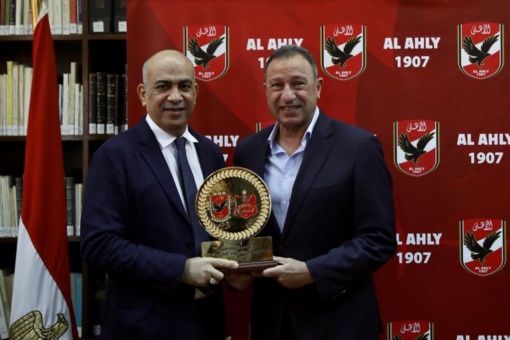 وفد نادي الأهلي الليبي