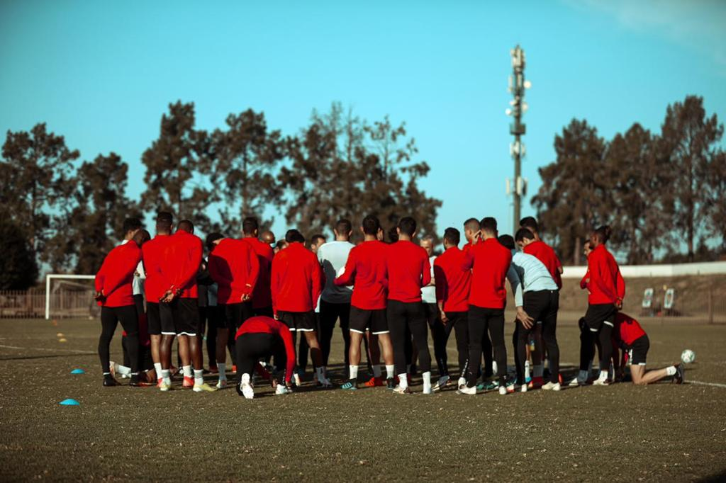 دوري أبطال إفريقيا| موسيماني يحاضر اللاعبين قبل انطلاق مران الأهلي
