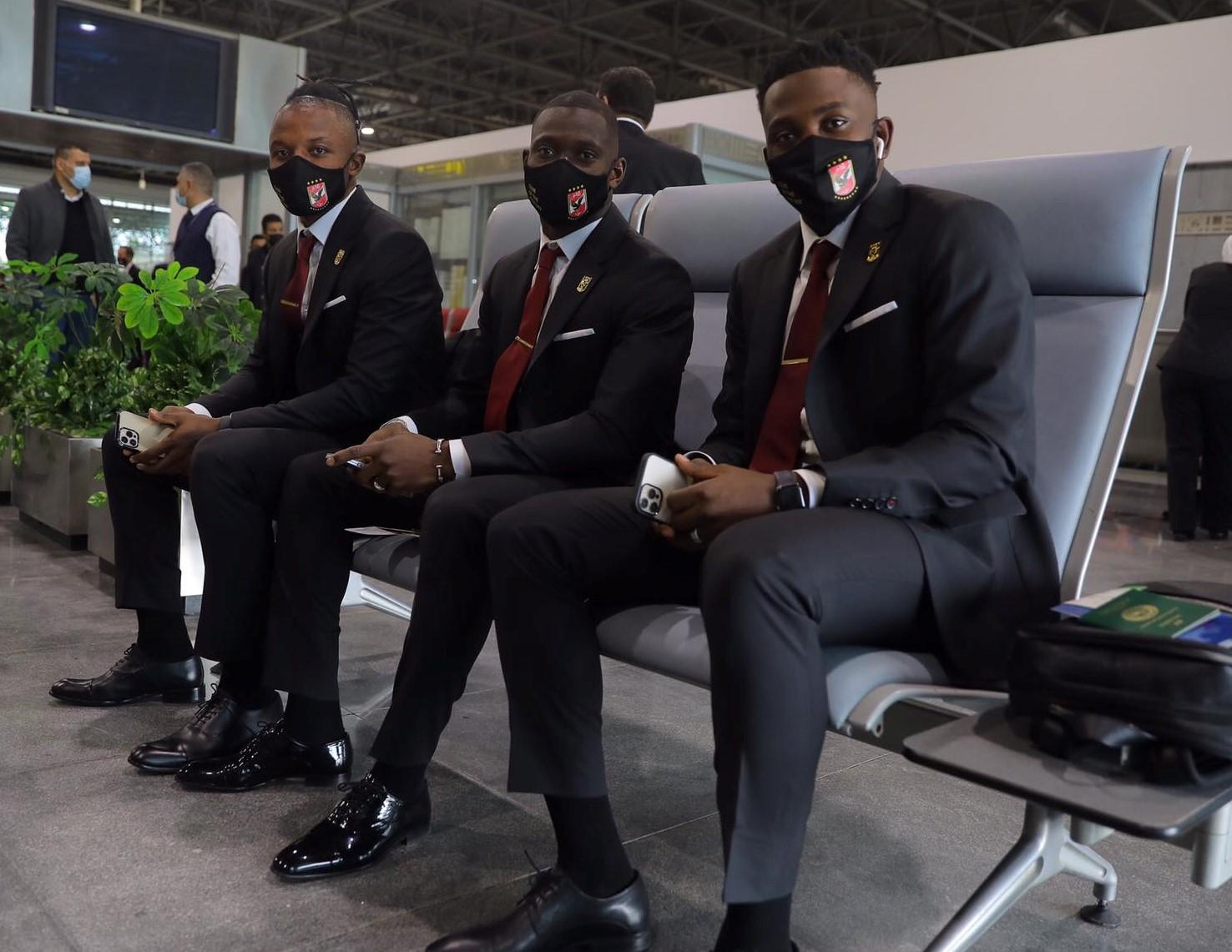 الفريق في مطار القاهرة