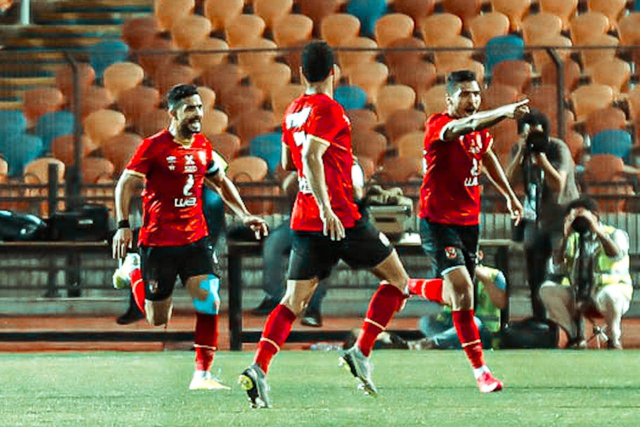 مباراة القمة| محمد شريف يسجل الهدف الأول للأهلي في مرمى الزمالك