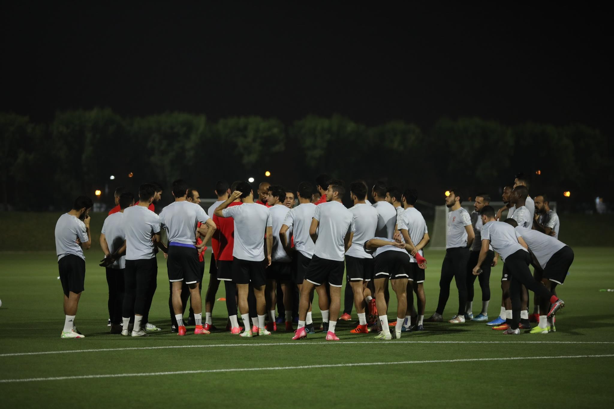 السوبر الإفريقي| موسيماني يطالب لاعبي الأهلي بالتركيز في مباراة نهضة بركان