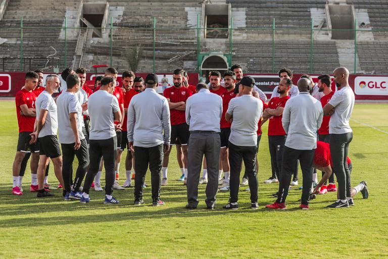 مران الأهلي| موسيماني يتحدث مع اللاعبين عن تحديات المرحلة المقبلة