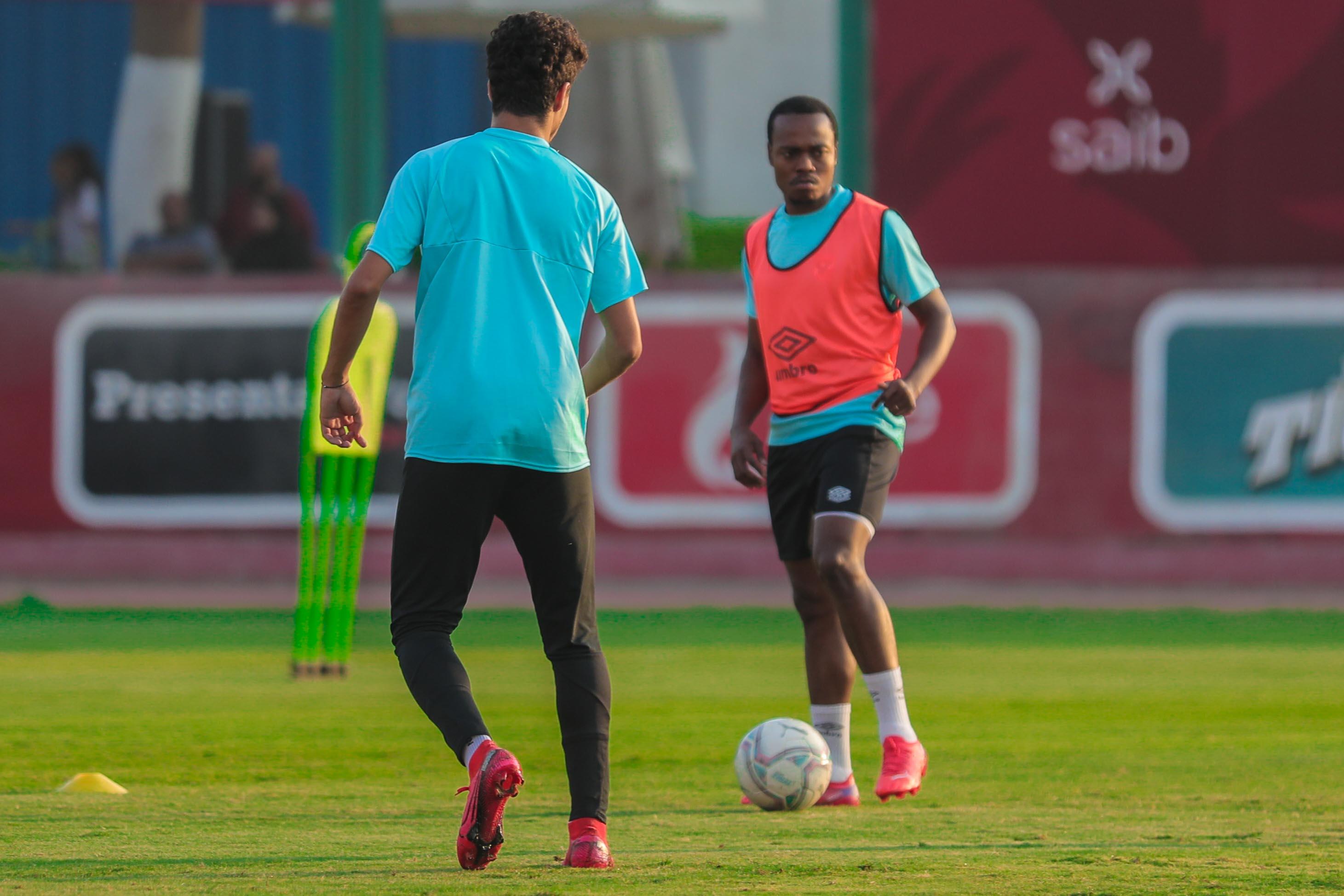 مران الأهلي| بيرسي تاو يشارك في تدريبات الكرة