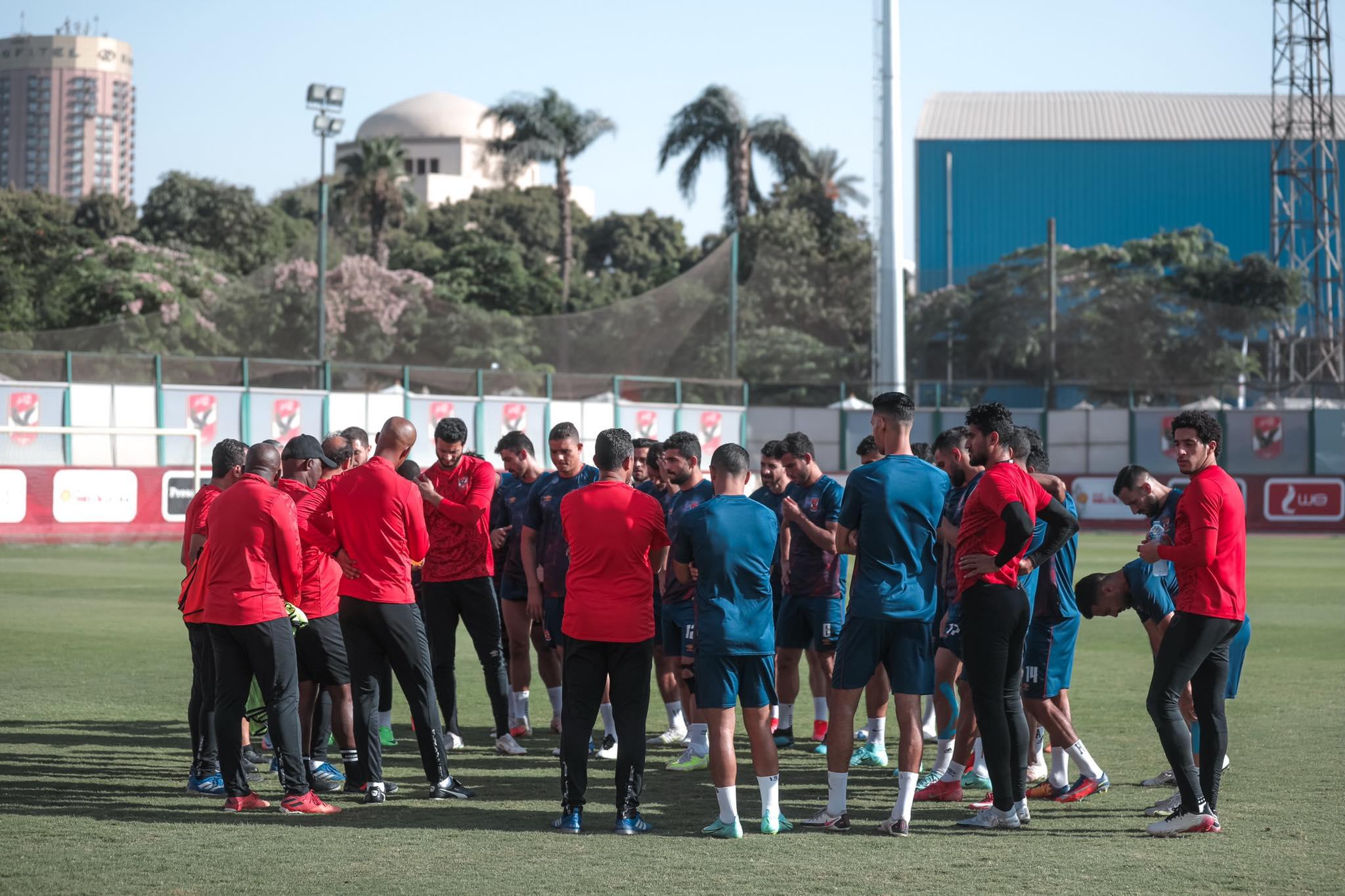 مران الأهلي| موسيماني يحاضر اللاعبين استعدادًا لمباراة سموحة