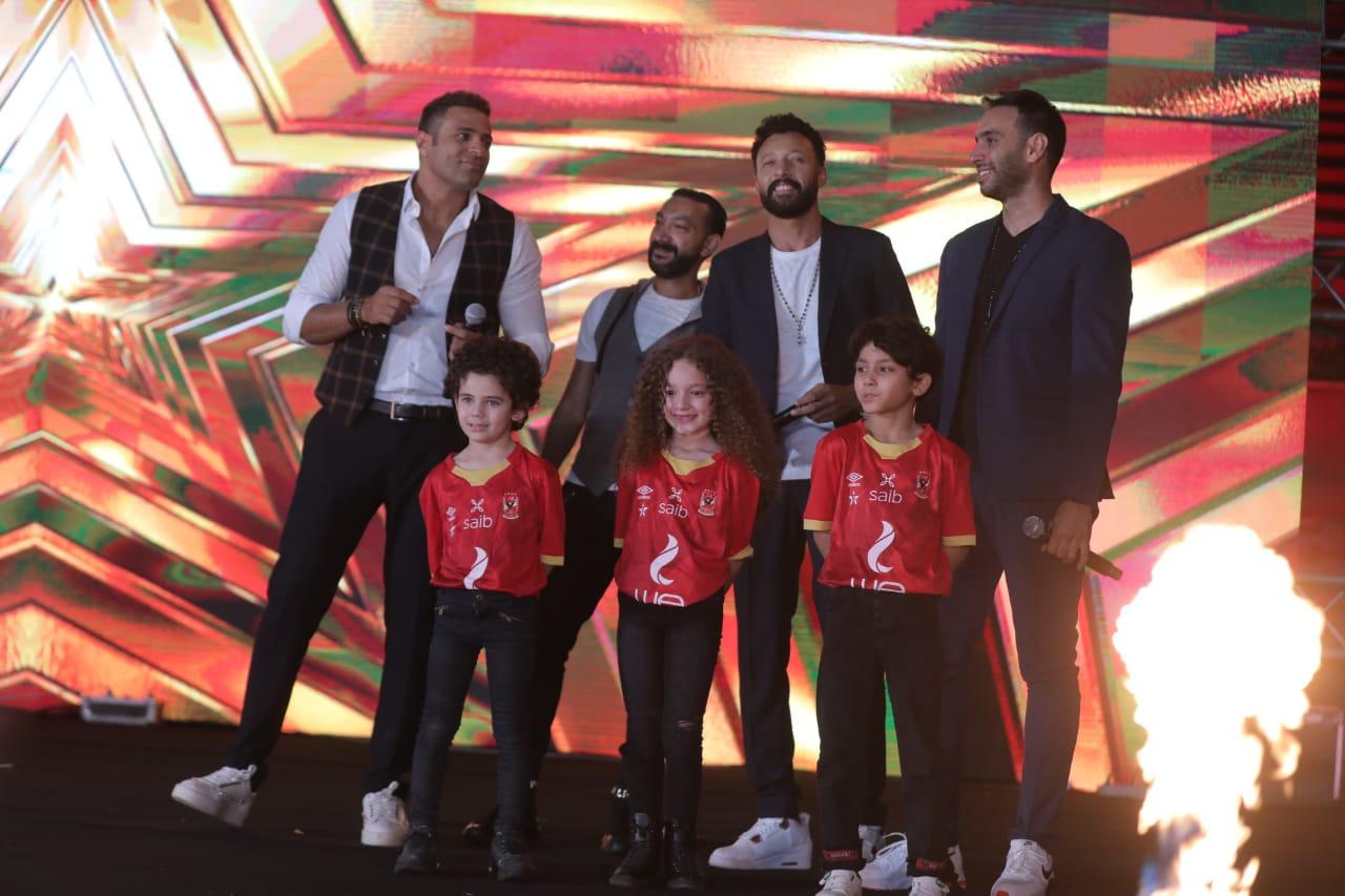 نجوم الفن يشاركون في حفل تدشين النجمة العاشرة بأغنية «الأهلي القمة»