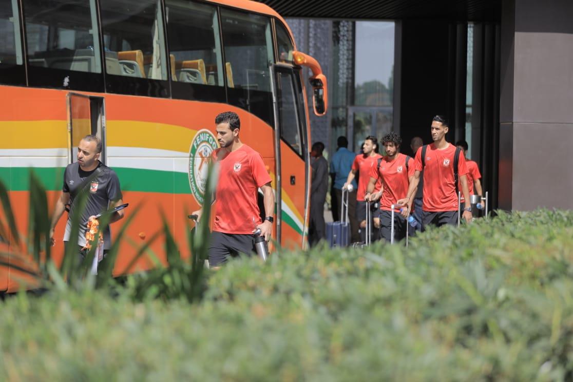 دوري أبطال إفريقيا  بعثة الأهلي تغادر فندق الإقامة إلى ملعب مباراة الحرس الوطني