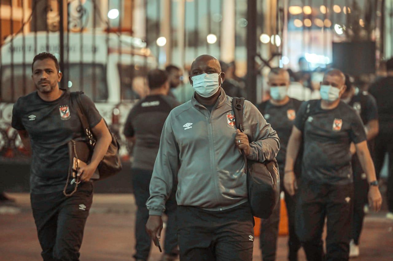 الدوري الممتاز| الأهلي يصل إلى استاد الإسكندرية استعدادًا لمباراة سموحة