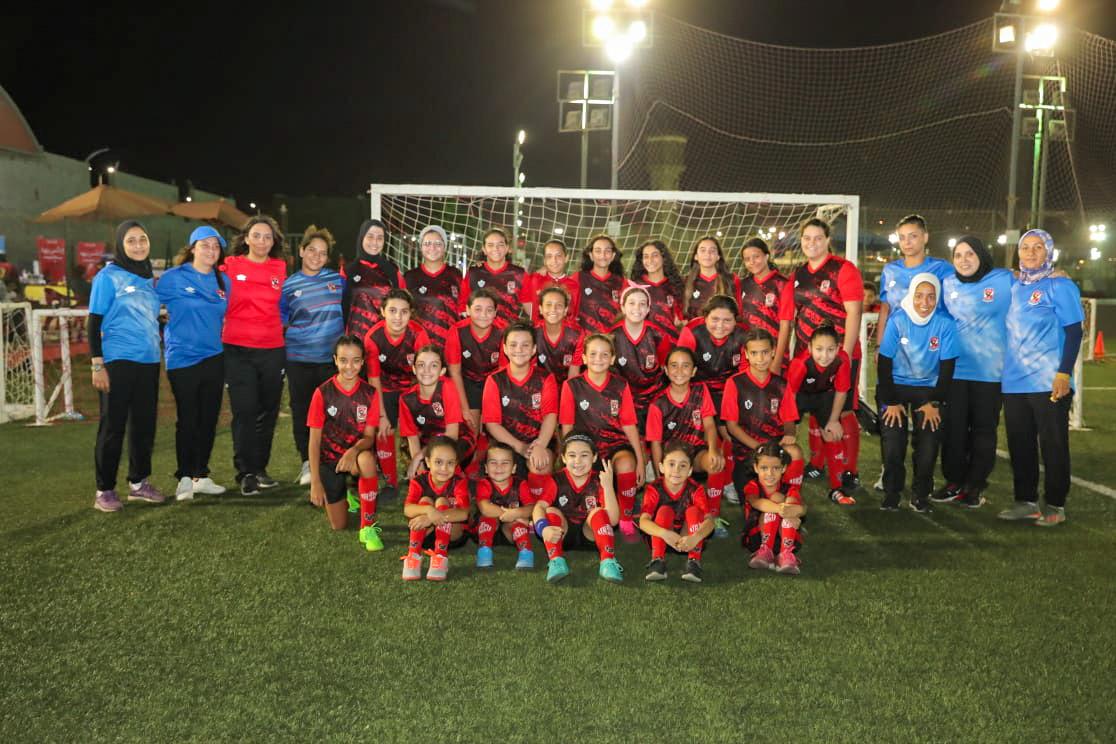 الكرة النسائية| انطلاق التدريبات في أكاديمية الأهلي لكرة القدم بفرع مدينة نصر