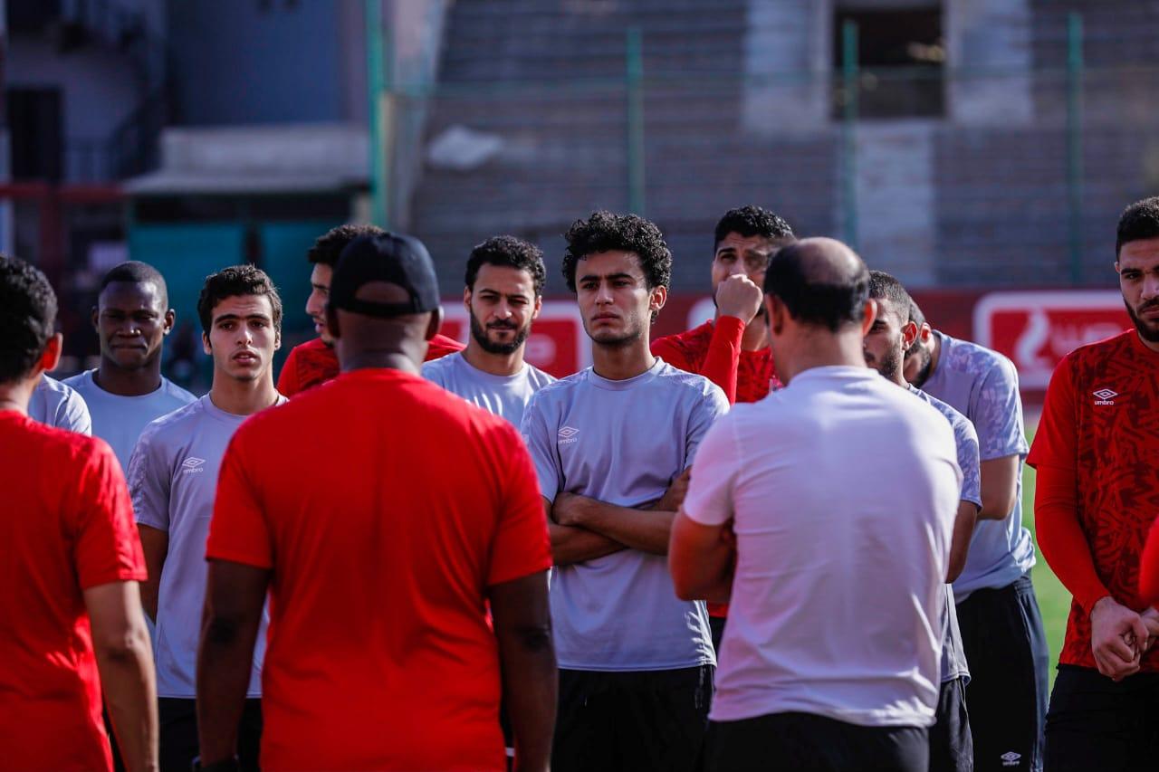 مران الأهلي| الجهاز الفني يطالب اللاعبين بالتركيز في مواجهة صن داونز 