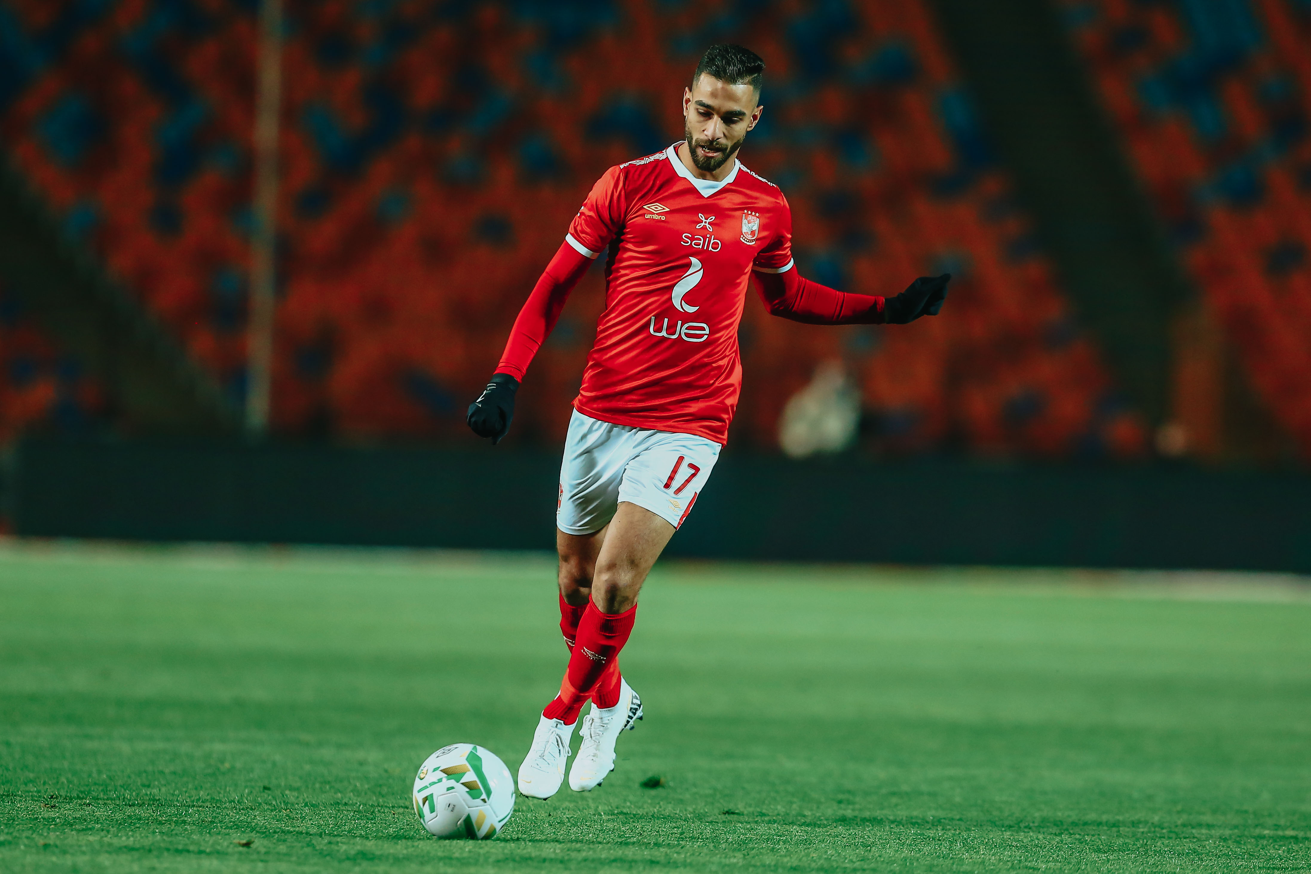 السوبر المصري  بعد 30 دقيقة التعادل السلبي يسيطر علي المباراة وسط محاولات الأهلي الهجومية