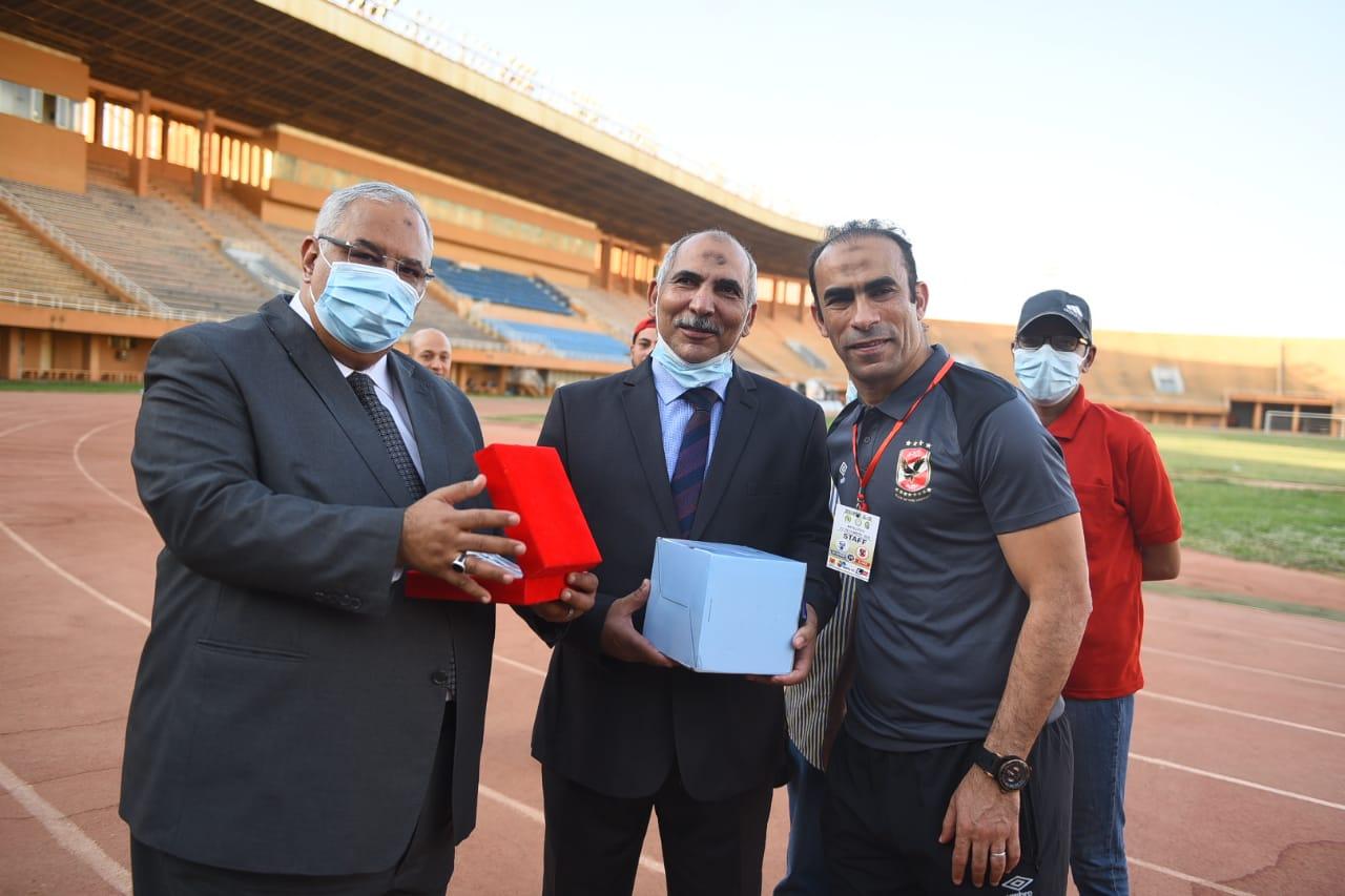 سيد عبد الحفيظ والسفير المصري في النيجر