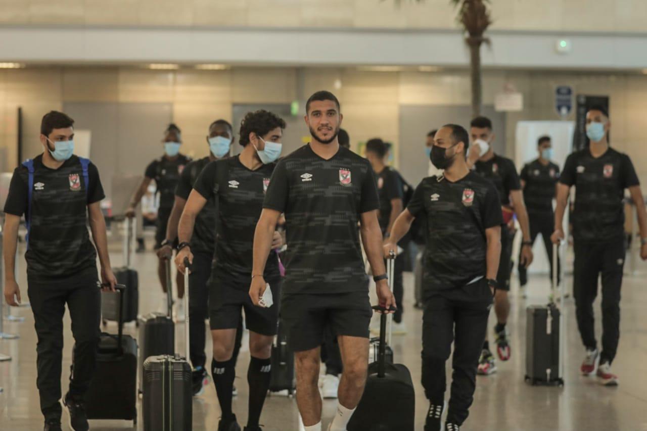بعثة الفريق في المطار