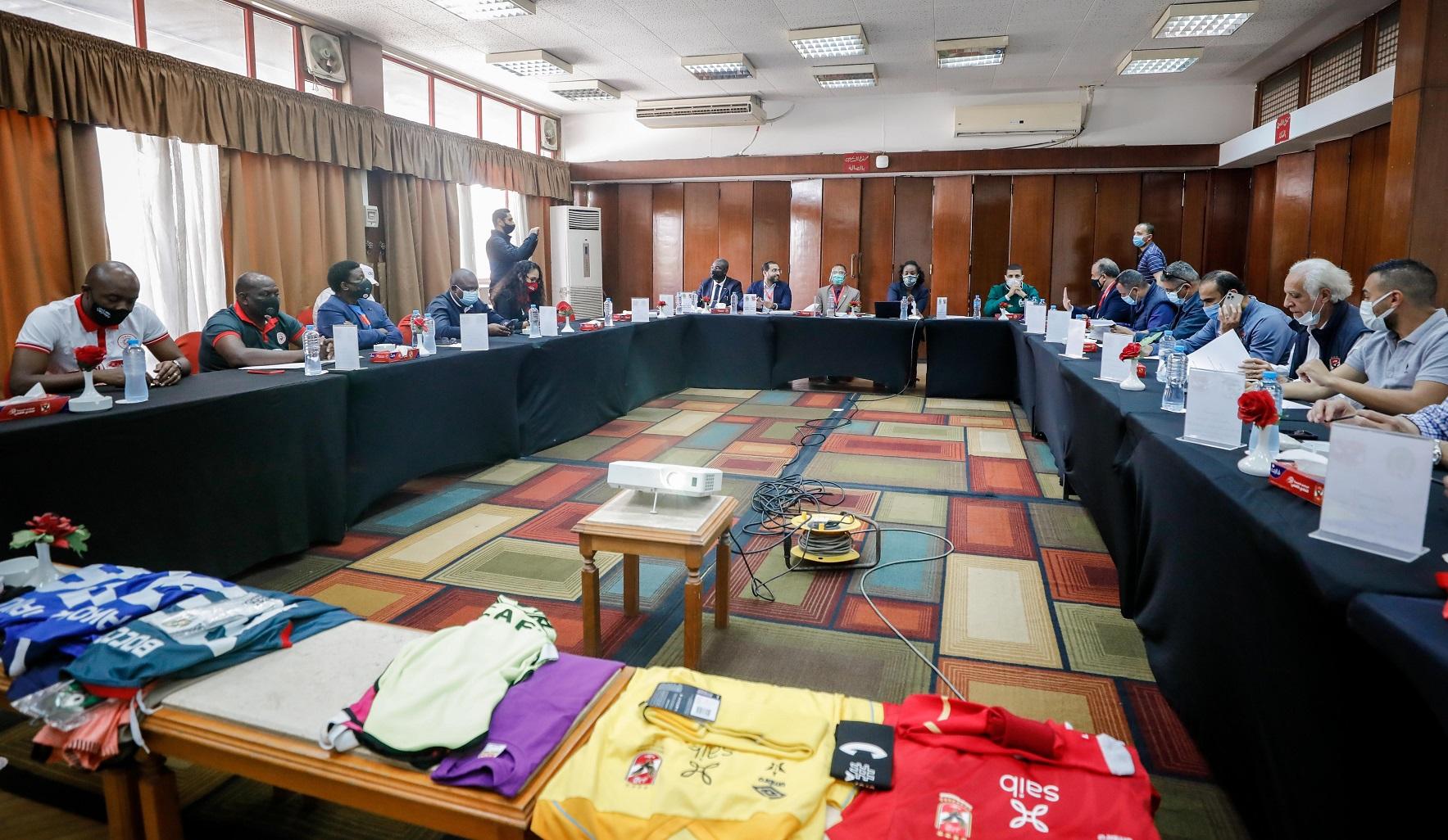 الاجتماع الفني لمباراة الأهلي وسيمبا التنزاني